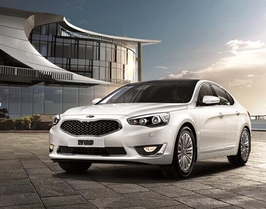 进口起亚K7凯尊 美国高级轿车排名第一高清图片