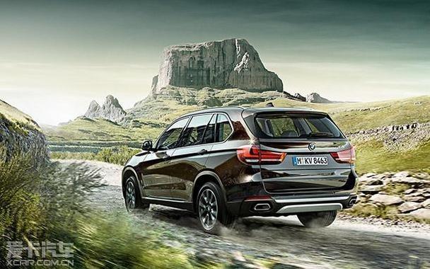 全新BMW X5配备经优化的汽油发动机,搭载V8发动机的BMW xDrive