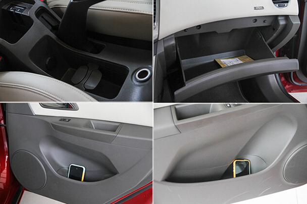 内部座椅采用人造皮革与织物相结合的包裹方式,头枕也要比现款车型要
