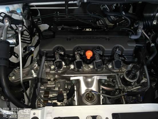 发动机及传动系统:发动机类型是水冷横置直列四缸16气门sohc i