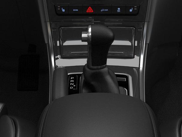 """除了在性能上与手动挡车型高度一致外,哈弗H2自动挡车型延续了""""时尚百搭""""的设计风格,为追求时尚的城市新生代群体提供车身、内饰、配置方面等多种颜色和风格的备选方案,更加符合80、90后新生代群体的消费需求。4335*1814*1695mm的车身,属于市场上""""不大不小,用着正好""""的家用黄金尺寸。而随着哈弗H2市场保有量的逐渐增加,消费者对自动挡车型上市的呼声越来越高,哈弗H2自动挡车型上市正当其时。 作为中国SUV市场连续12年的销量冠军品牌,哈弗品牌今年1-"""