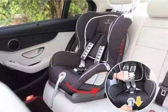 奶爸指导手册教你安装奔驰儿童安全座椅