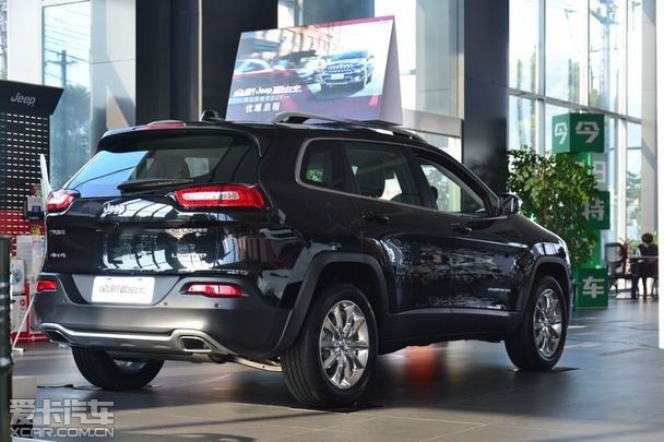 无锡中升搏勒jeep国产自由光售22.98万起