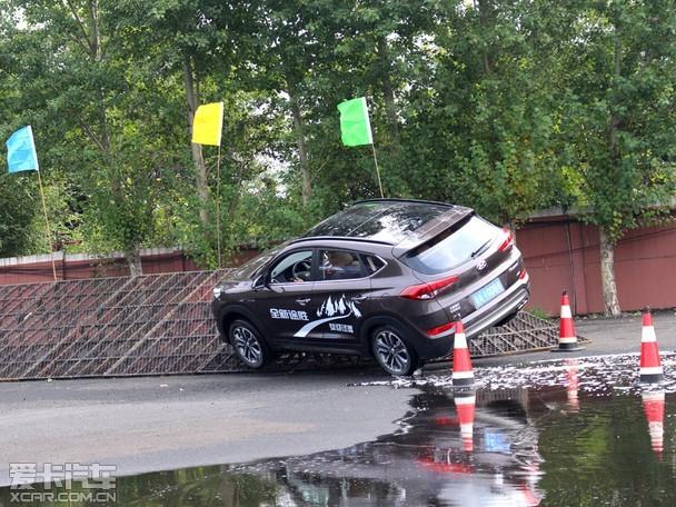全新途胜试驾环节-体验四驱性能 北京现代SUV车型试驾会高清图片