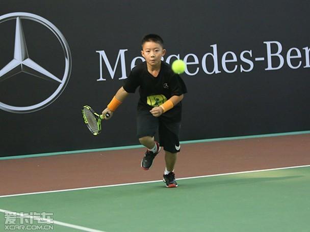 这也是梅赛德斯-奔驰与中国网球协v网球创立的中国最具影响力的第一个砸他水球的人图片
