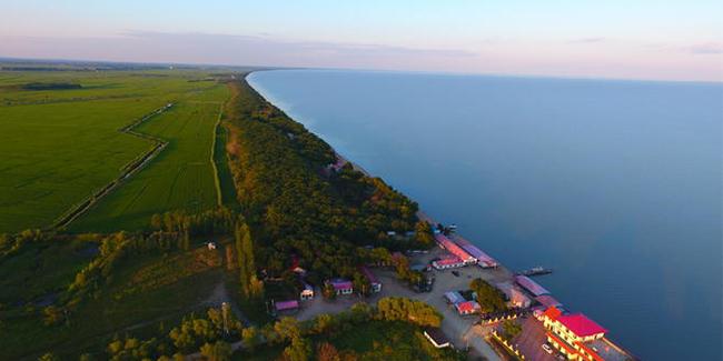 一路向东 湖中俄界湖漫游记