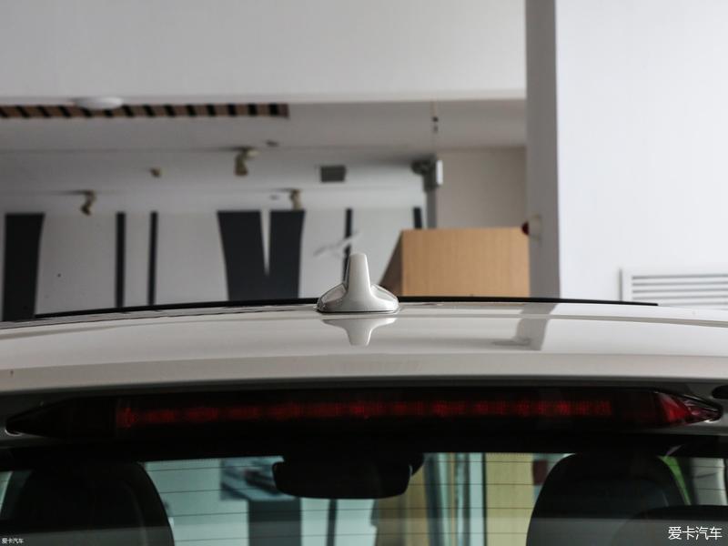 在xp的安全评测中_首先来说,这款XC60顶配车型搭载了可进行高低和软硬调节的空气 ...