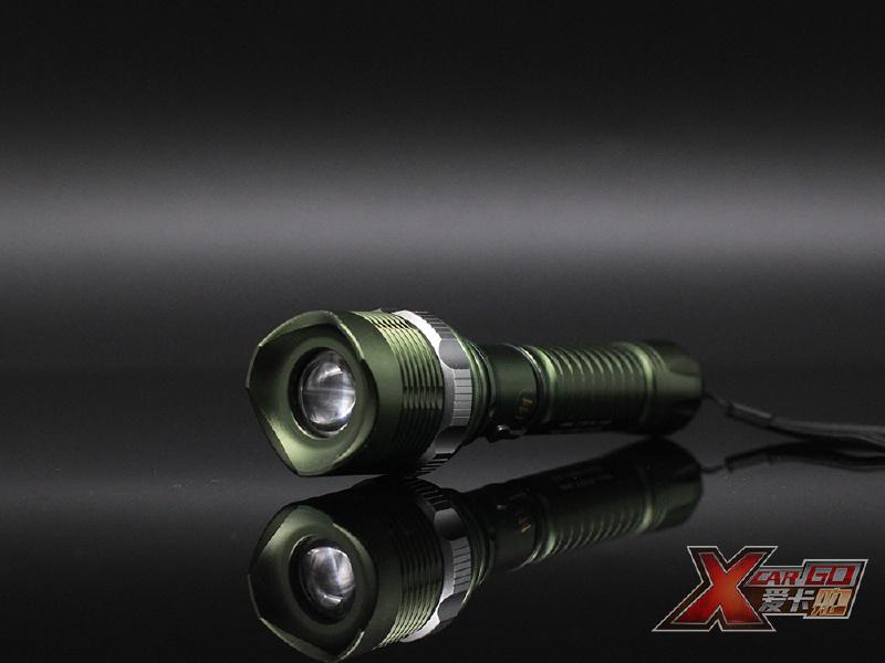 LED强光手电
