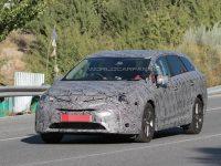 丰田全新Avensis旅行版谍照 将2016发布