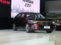 广汽传祺GS4/GA6新车上市 售10.28万起
