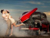 车轮上的情人节 来看看情侣与车的事儿