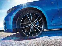 全新宝马3系更多预告图 或巴黎车展发布