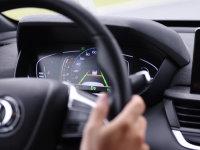 在自动驾驶和电驱领域采埃孚做了什么?