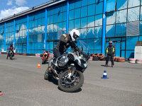 干货分享 宝马摩托车骑行学院  教给你正确的新手入门技巧
