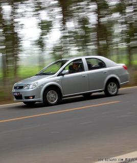 丰田平台实用小车    试驾一汽威志三厢