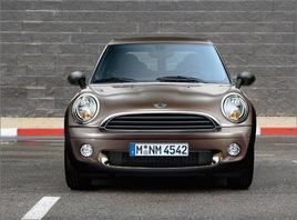 新款MINI One Clubman于日内瓦车展首展