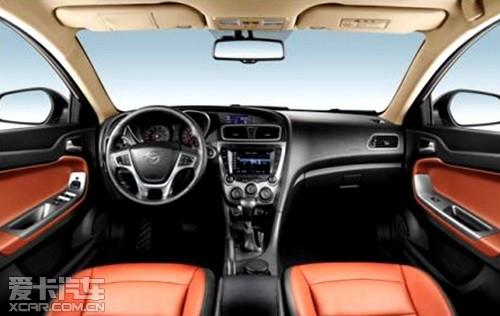 精装移动座舱 新一代福美来M5舒适配置