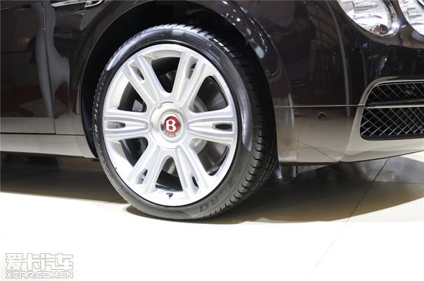豪华四门轿车宾利新飞驰V8亮相大连车展