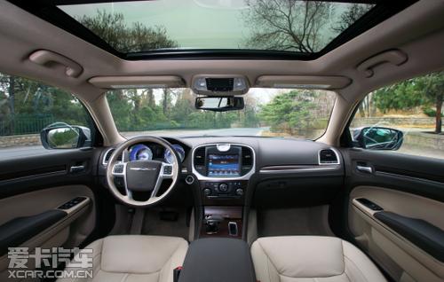进口克莱斯勒300C 制胜40万级豪车市场