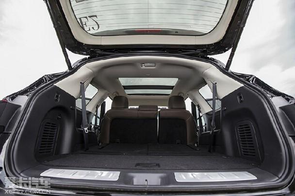 英菲尼迪QX60车内布局与安全屏障系统
