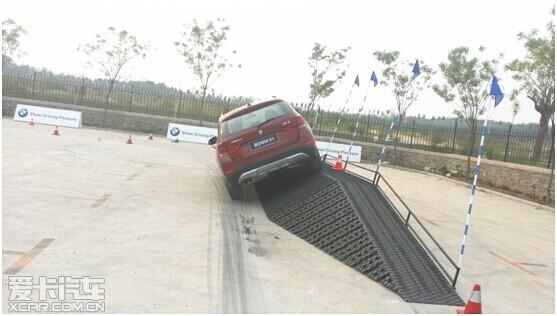 新BMW X1征服不同路况 定义自由悦随心