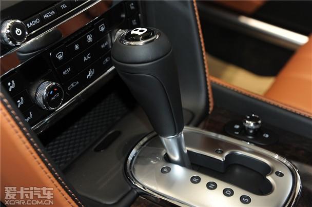 宾利新飞驰V8