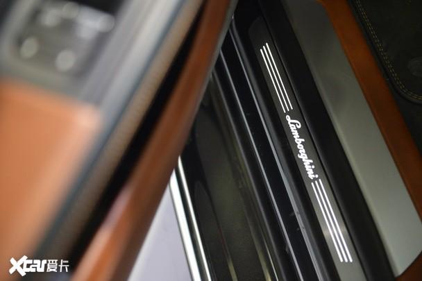 兰博基尼超级SUV亮相长沙