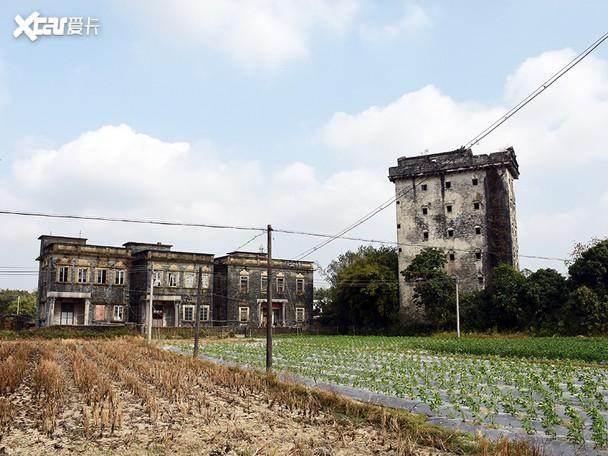 穿越百年去看碉楼洋楼